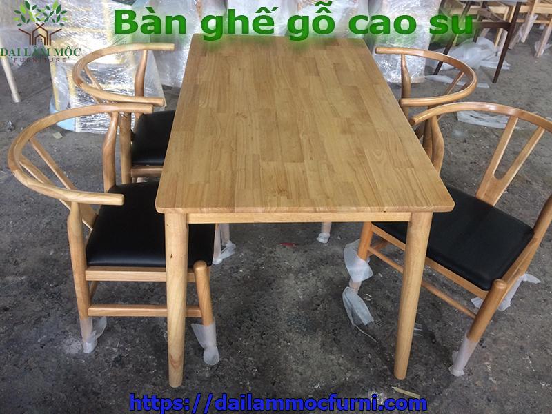ban-ghe-cafe-go-cao-su-ghep-gia-re