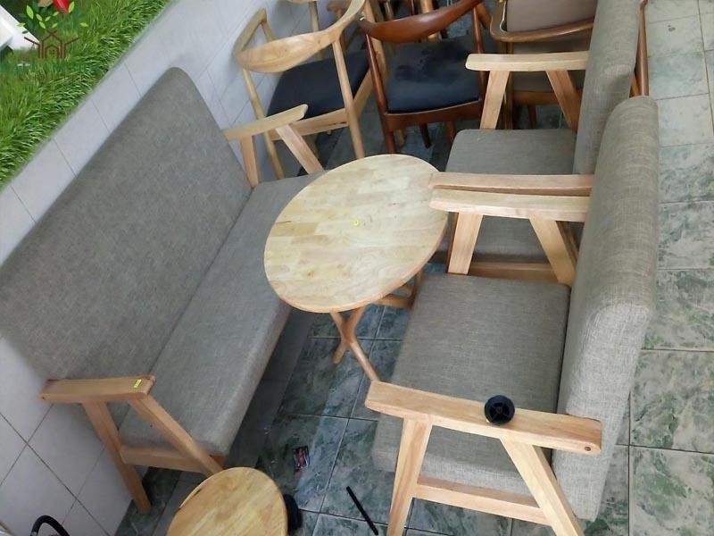 mau-ban-ghe-go-cho-quan-cafe-gia-re-6